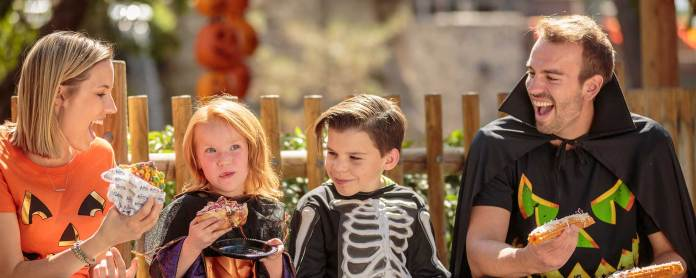 Outdoor Dining & Fall Event | Knott's Taste of Fall-O-Ween