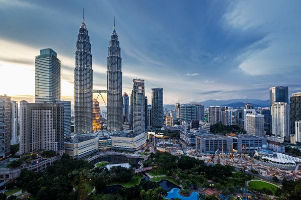 Living in Malaysia, moving to malaysia, Living cost Malaysia, malaysian people, Live in Malaysia, life in malaysia