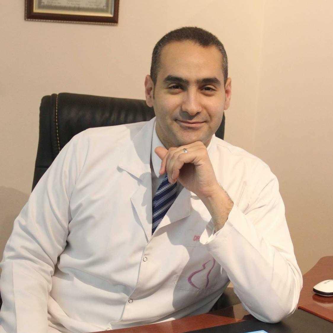 احجز مع دكتور أحمد حسين سعد مدرس نساء وتوليد فيزيتا