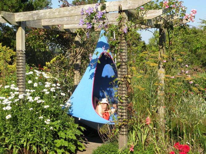 la sieste au jardin ca fait du bien