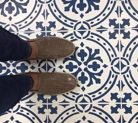 paint a floor with a tile stencil