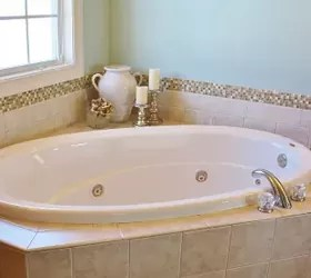How To Add A Glass & Stone Tile Border