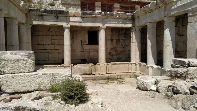 sagalasos antik kenti küçük çeşme
