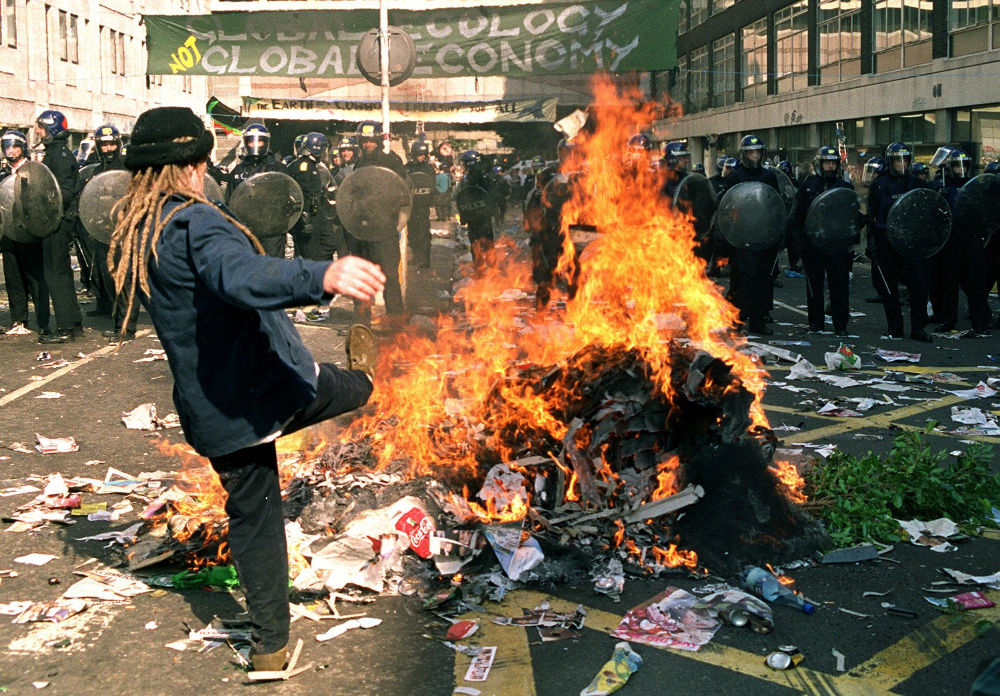Photos A Look At Some Of The Best Trash Fires In History