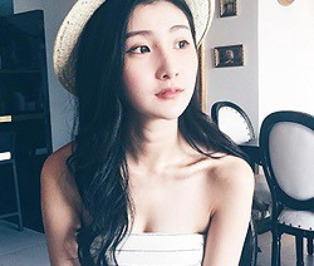 Sham Yen Yi Beautiful Model