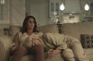 Sarah e Shelly - Transparent 2x06 - Amazon