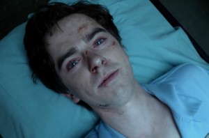Bates Motel 4x01 - A Danger to Himself and Others