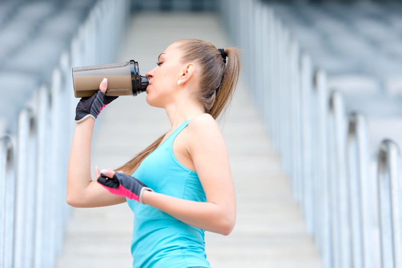 exercise and shake supplements