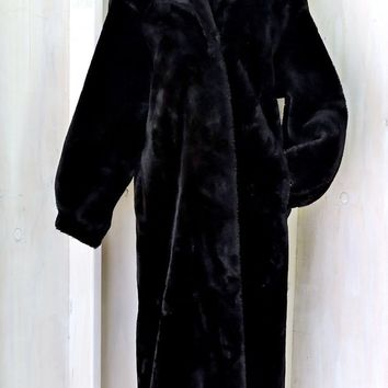 Shop Full Length Fur Coat on Wanelo Beautiful Plush Black Faux Fur Coat   size M 8   10   full lengt