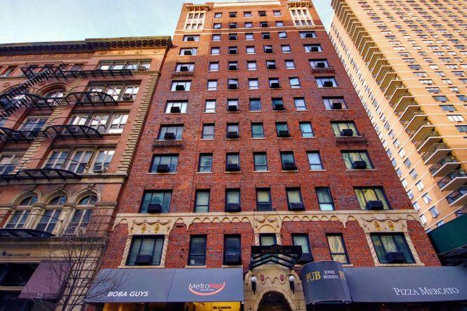 11 Waverly Pl In Greenwich Village S Als