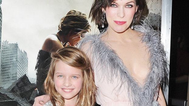 Milla Jovovich And Daughter Look Alike At Resident Evil