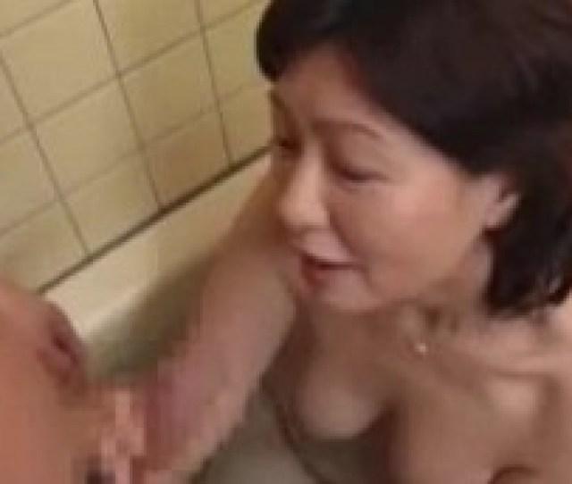Mom Bathes Son And Fucks Him Too Japanese Incest Free Porno Please
