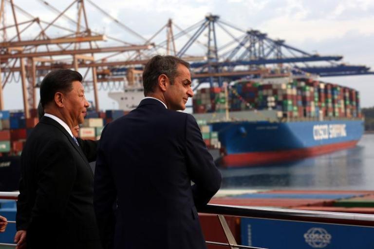 Xi and Greek Prime Minister Kyriakos Mitsotakis in Piraeus, Greece, November2019