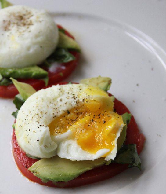 Poached-Trứng-với-gia truyền-chua-Avocado-