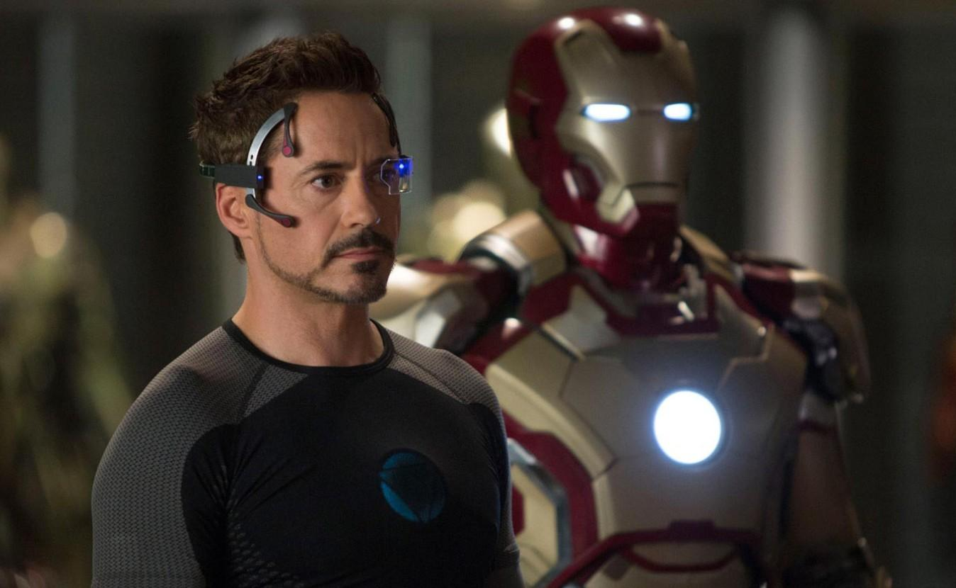 Iron-Man-3-Tony-Stark-suit-Review-Poster-2
