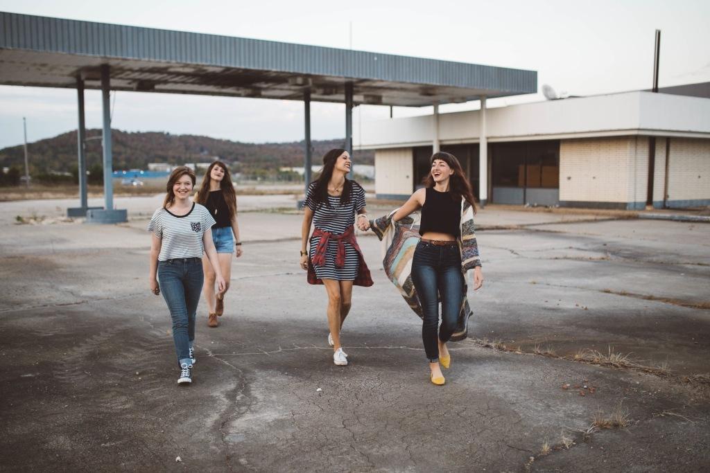 7 Trong số các loại bạn bè That Are Worth Chi tiêu thời gian Với