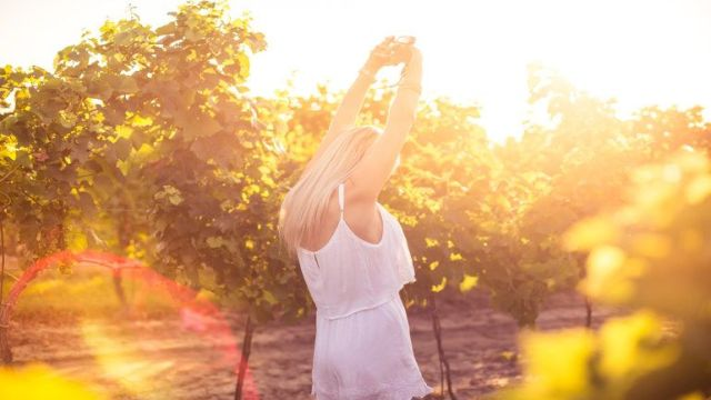 rsz_young-girl-enjoying-happy-moments-and-dancing-in-vineyard-picjumbo-com