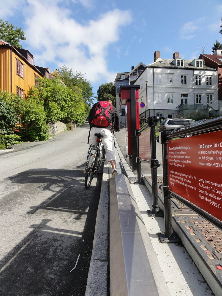 Bicycle_lift_in_Trondheim_2 (1)
