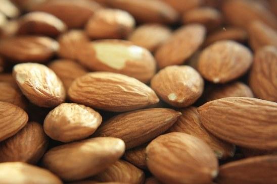 healthy-foods-almond-milks