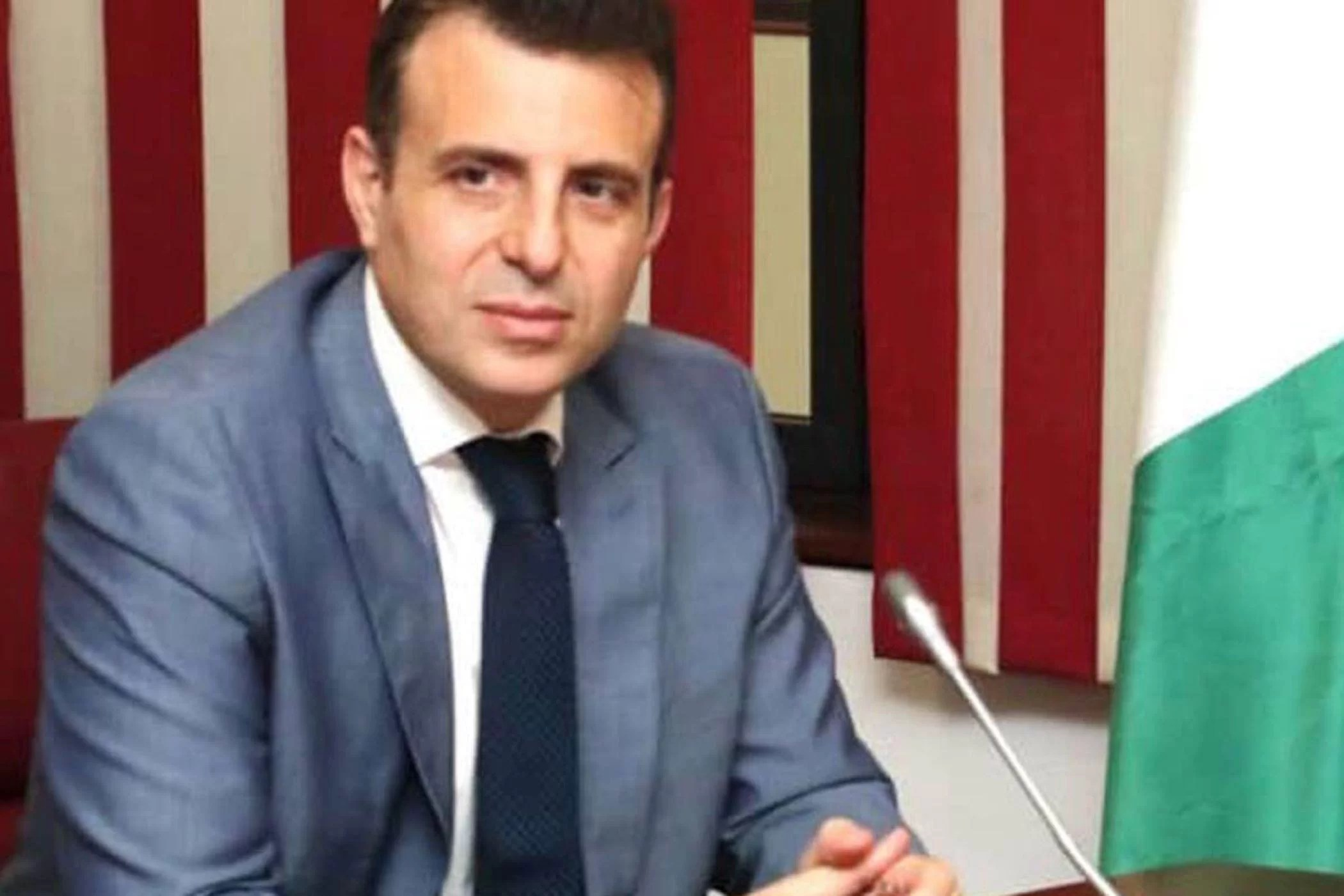 Lebanese Ambassador to Nigeria, Houssam Diab has said that contrary to the assumption, most Nigerians, especially ladies in Lebanon were not trafficked but entered into the country legally. Diab made this known when he visited the Minister of Foreign Affairs, Geoffrey Onyeama on Friday in Abuja. According to Diab, the Nigerian ladies who recently called […]