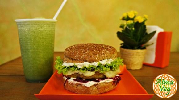 experimente-o-veganburger-do-camaleao-no-atma-veg-veg-max-hamburguer-vegetariano-vegano-fast-food-taubaté-vale-paraíba