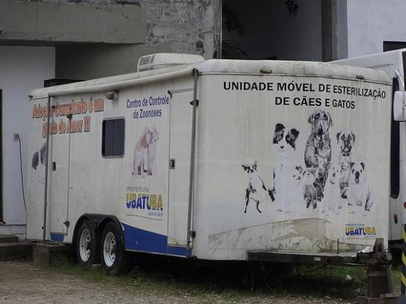ubatuba-esta-com-castracoes-de-caes-e-gatos-parada-castramovel-prefeitura