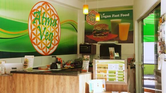 primeiro-fast-food-vegano-cria-lanche-a-preco-acessivel