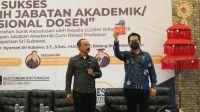 LLDIKTI VIII Resmi Serahkan SK Penetapan Guru Besar Rektor Undiknas