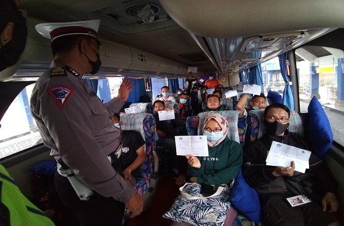 Super Ketat! Perbatasan Kabupaten Dijaga 24 Jam, Pelototi Mobil Travel