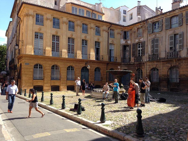Aix-en-Provence Luberon villages Provence France Rent-Our-Home rentourhomeinprovence