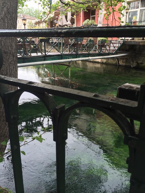 Luberon villages Provence France Rent-Our-Home rentourhomeinprovenceIsle sur la Sorgue markets