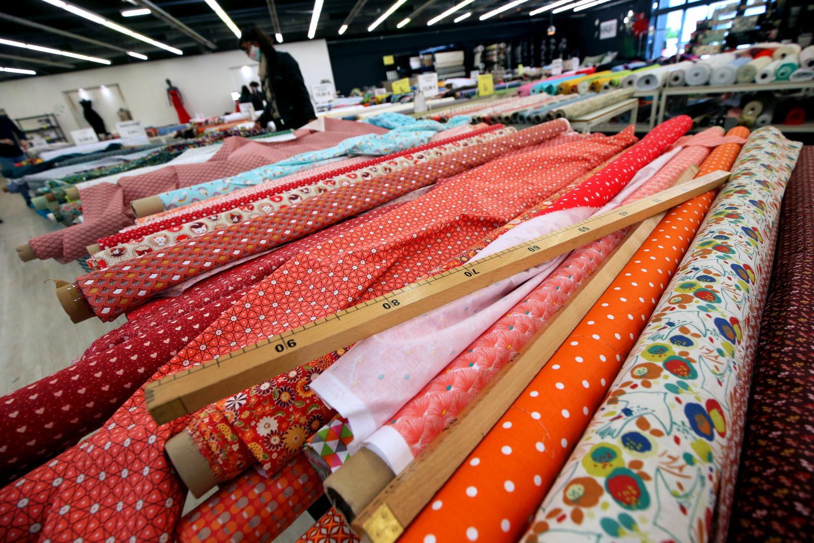 les boutiques de textiles devalisees