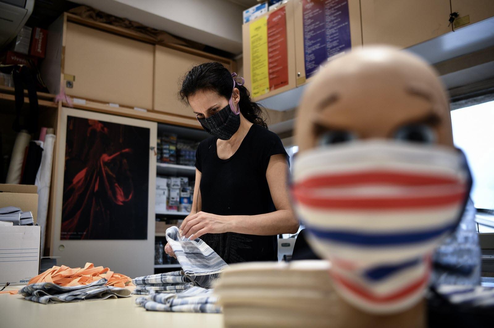 coronavirus des masques distribues aux