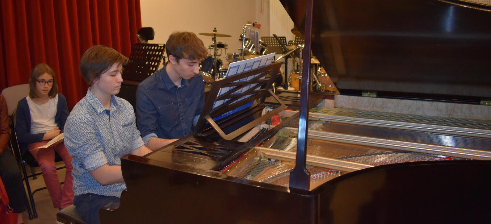 musique un piano a queue de 1878 pour