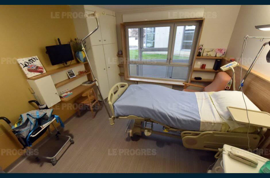 Hpital Et Clinique Hpital Bellevue Un Btiment Tout