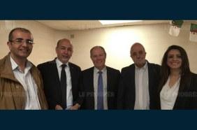Le député Samir Chaabna (2 e en partant de la gauche) a pu rencontrer le maire Luc François à la salle Paul-Couchoud. Photo DR