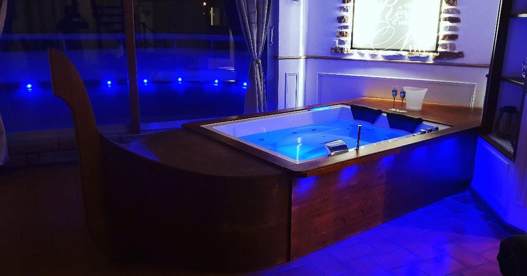 Insolite Chambre De Charme A Louer A Forbach Sauna Jacuzzi Et Terrasse Avec Vue Sur Les Toits De La Ville