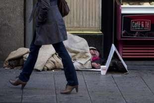 povero in strada
