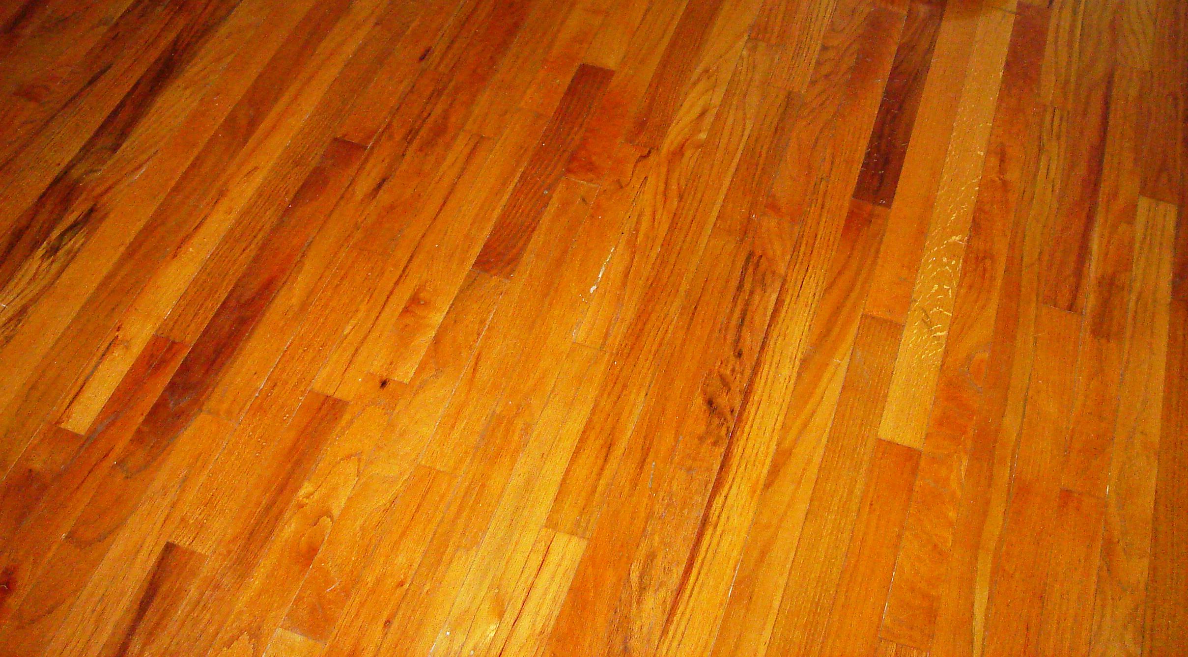 Sàn gỗ Giáng Hương Lào là dòng sàn gỗ tự nhiên đắt tiền
