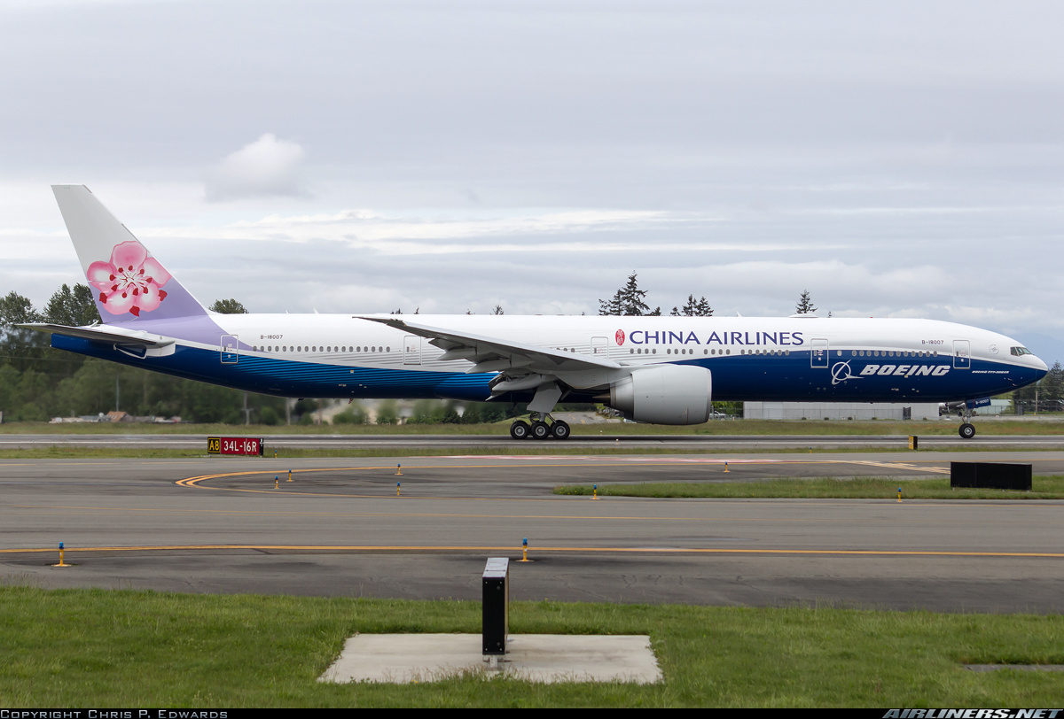 Boeing 777-309/ER aircraft picture