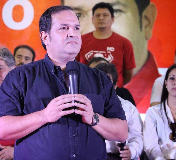 El precandidato a diputado Arnaldo Samaniego aprovechó la ocasión para reafirmar su compromiso con la ciudad.