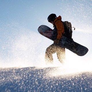 harry_kearney mit dieser Schönheit eines Splitboards, auf das ich so begeistert bin. Fotos von andrew_miller 🏂🏔