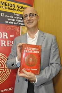 Antonio Garrido novela la ciencia forense en 'El lector de cadáveres', Premio 'Ciudad de Zaragoza'