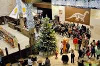 Dinópolis cuenta con iluminación y decoración navideña