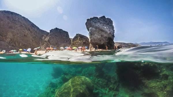 Resultado de imagen de playa almeria