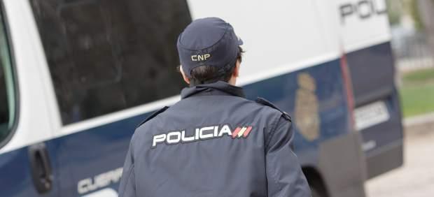 Un agente de la Policía Nacional.