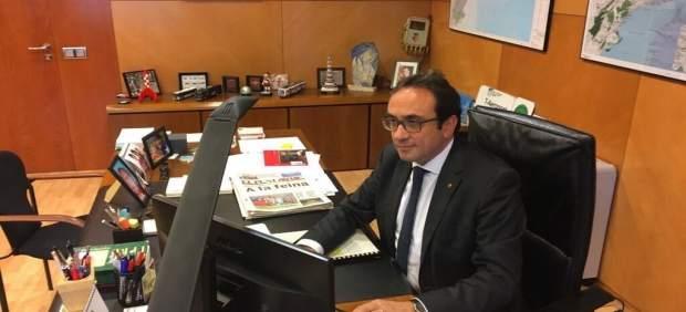 El conseller de Territorio, Josep Rull, en su despacho tras el 155