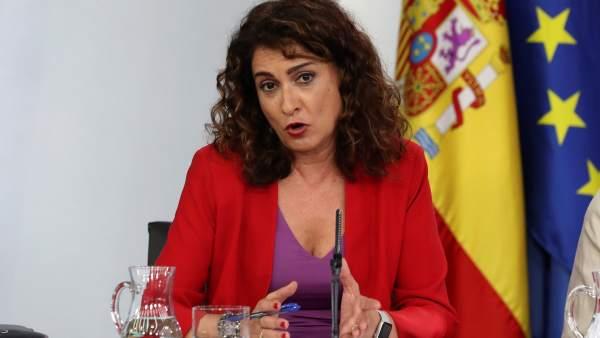 La ministra de Hacienda, María Jesús Montero, este viernes tras el Consejo de Ministros.