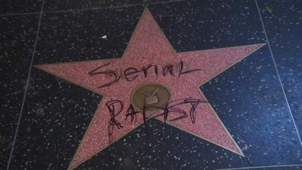 Acto vandálico estrella en el paseo de la fama de Hollywood.