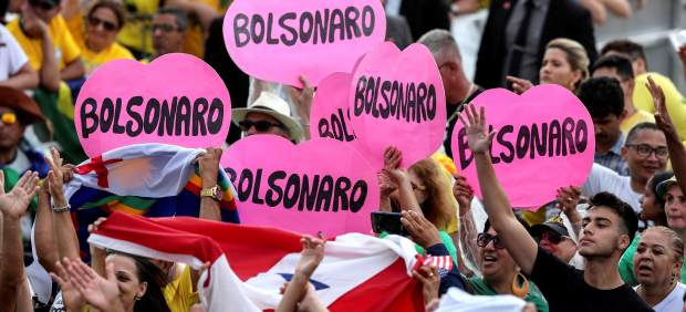 Bolsonaro parte hacia el Congreso para asumir la Presidencia de Brasil